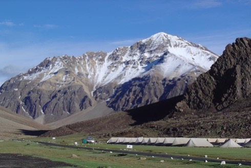 views in Leh to Sarchu on bike trip