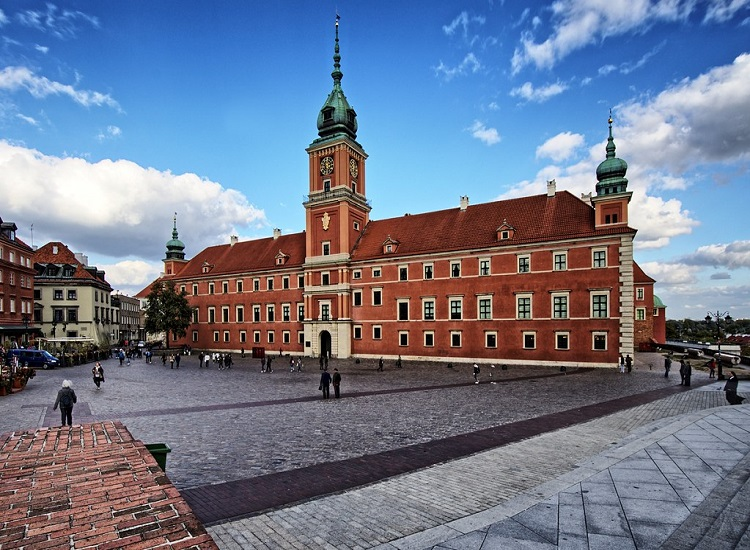 Royal castle for a place to go during your holiday in Warsaw